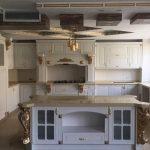 دکوراسیون آشپزخانه روکش چوب سفید