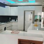 کابینت مدرن های گلاس سفید نورگیر