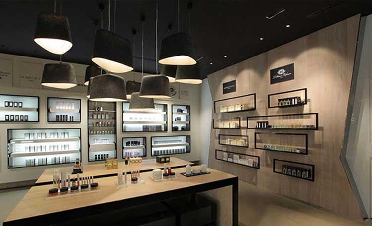 طراحی دکوراسیون مغازه لوازم آرایشی