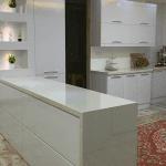 کابینت هایگلاس مدرن سفید